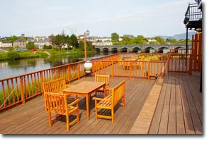 River Laune Accommodation Decking Image